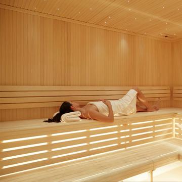 bleisure.com sauna in spa 3